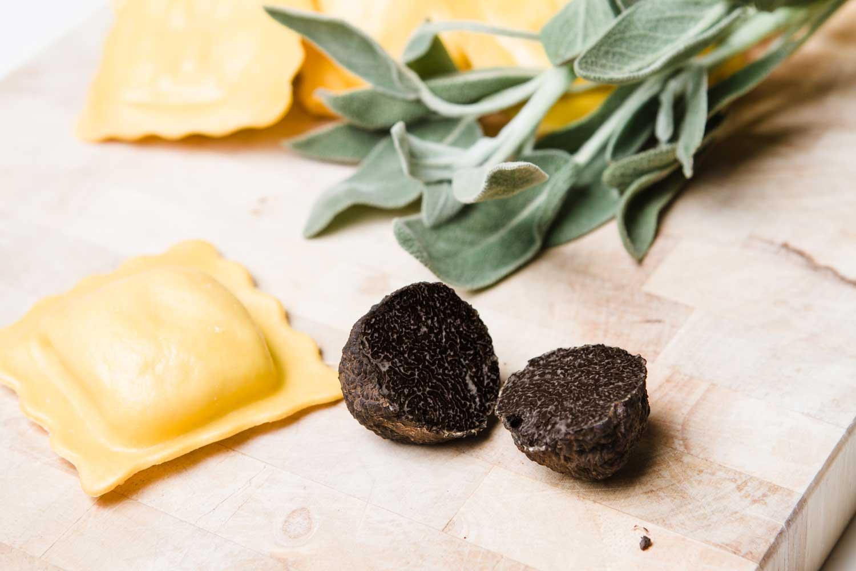 Ravioli al tartufo nero: la ricetta